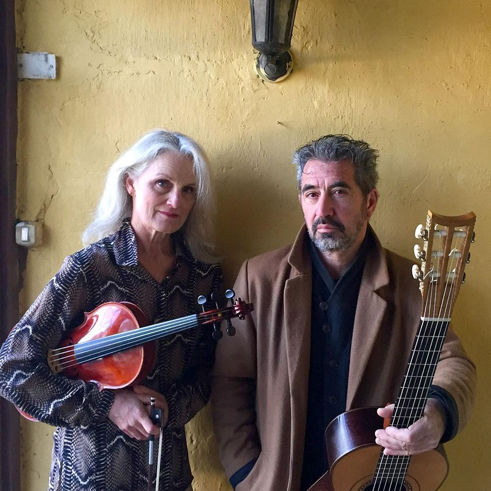 Alberto Cumplido & Gwen Franz musicians for Siempre La Guitarra