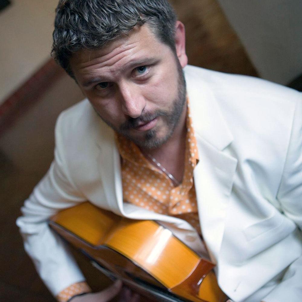 Berto Boyd guitarist at Siempre La Guitarra