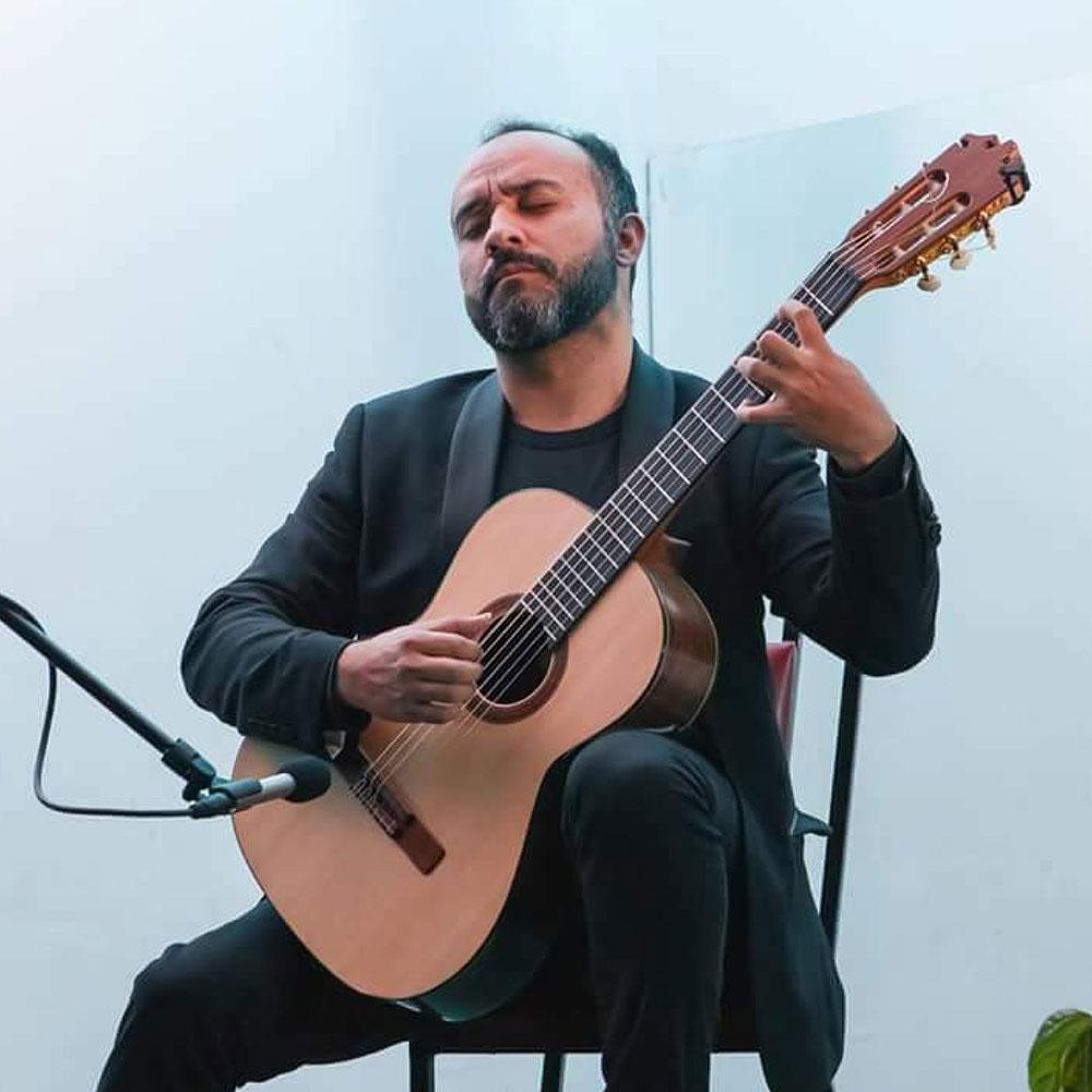 Franciso Selazar at Siempre La Guitarra